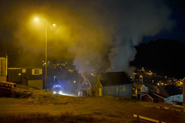 Tasiilaq hus i brænd